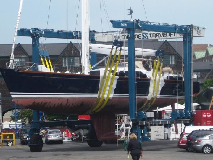 Marine Travelift 100 BFMII