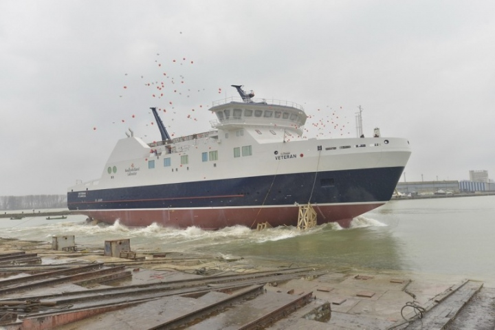 Launch of RoPax Ferry 8017 (lowres)