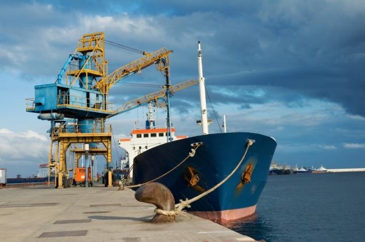 Crane-Cargo-Ship-GGB