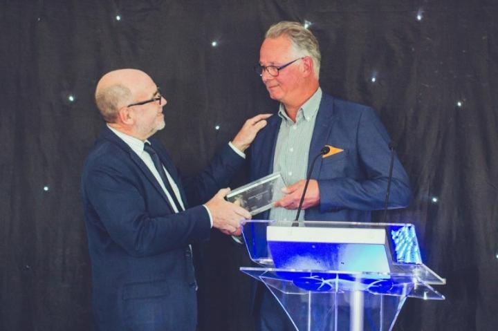 Casper Vermeulen gets Lifetime Achievement Award (1)_lowres