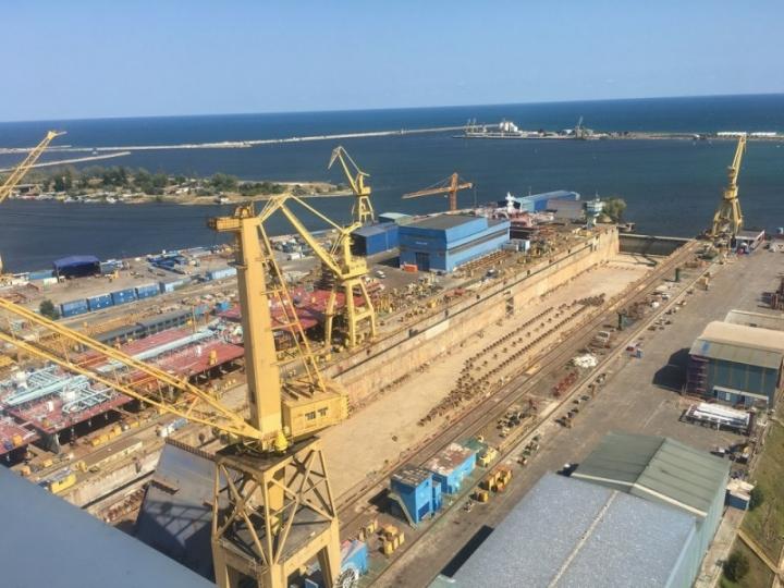 The Mangalia shipyard (1)_lowres