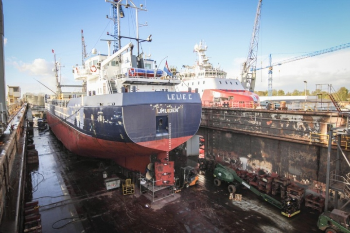 Cement Carrier Lelie C at Damen Shiprepair Oranjewerf (2)_lowres