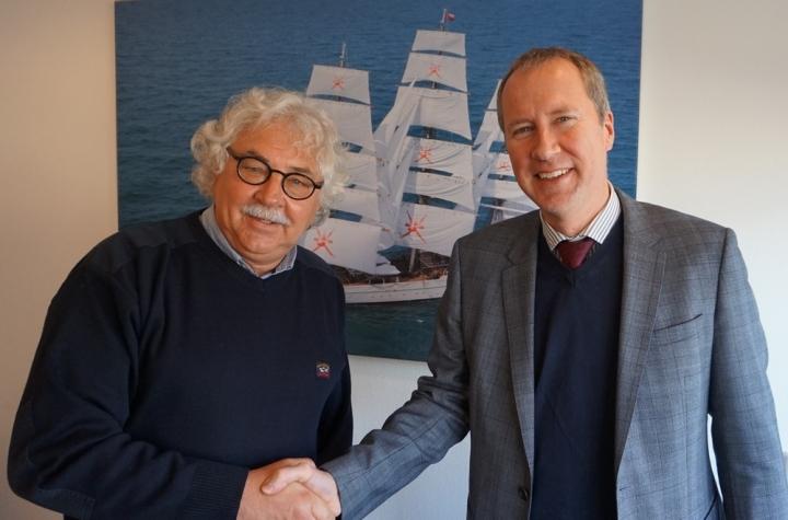 https://www.seaplant.com/files/news_images/20998/Steef+Staal+-+Wim+Knoester+handshake+merger_lowres.jpg