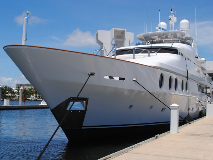 http://www.seaplant.com/files/news_images/22828/super-yacht.jpg