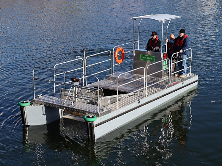 Port Cleaning Vessel