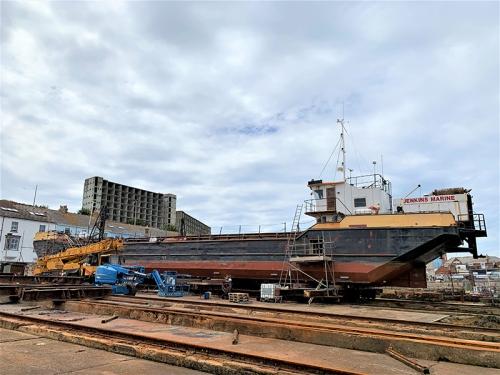 Marine Hopper Barge